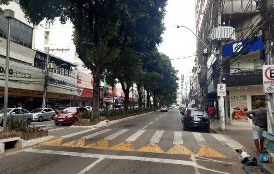 Lojas e restaurantes abrem as portas e apostam nas vendas no feriado municipal em Colatina